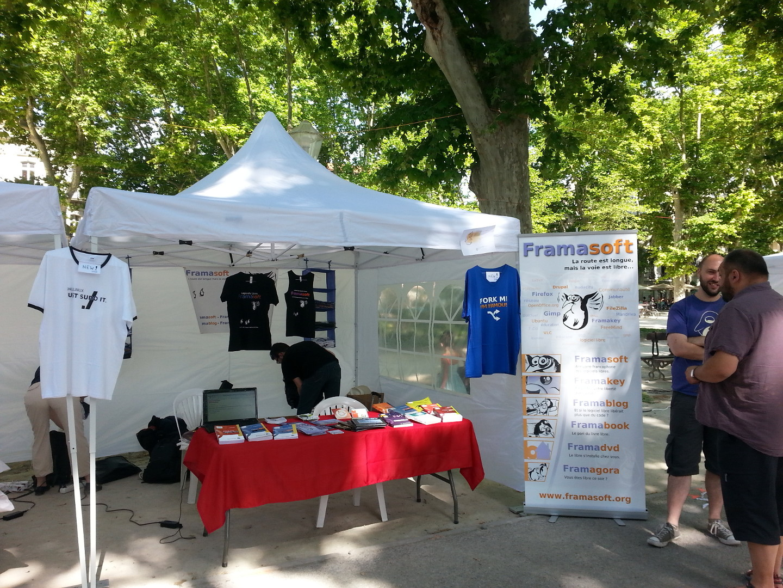 Stand Framsoft au RMLL 2014 de Montpellier