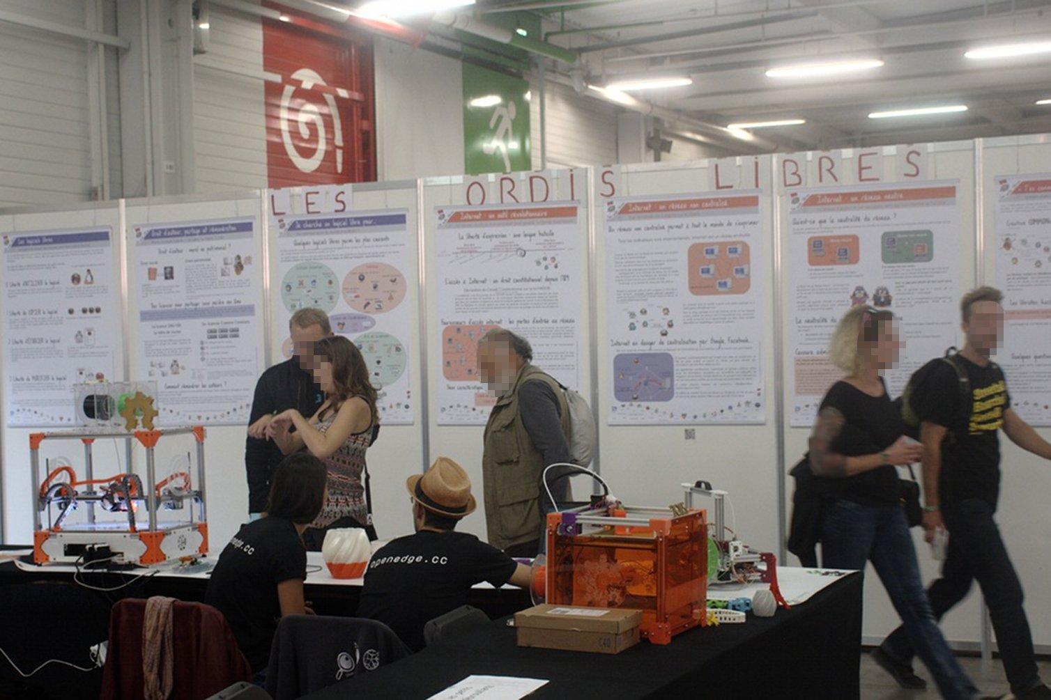 L'espace Logiciel Libre / Hackers / Fablabs de la fête de l'Huma 2015 [Exposition les Ordis Libres](http://www.lesordislibres.fr/)